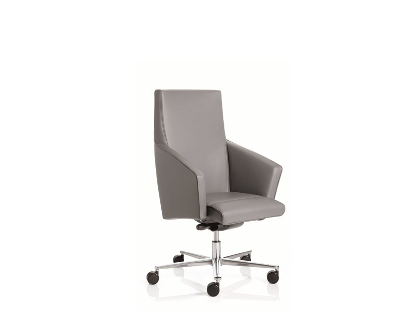 Low back executive chair with 5-spoke base with armrests BUSINESS CLASS | Low back executive chair by Emmegi
