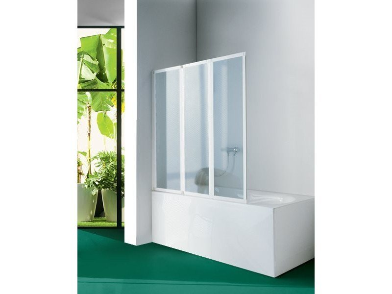 Folding glass bathtub wall panel BVP08 | Bathtub wall panel by INDA®