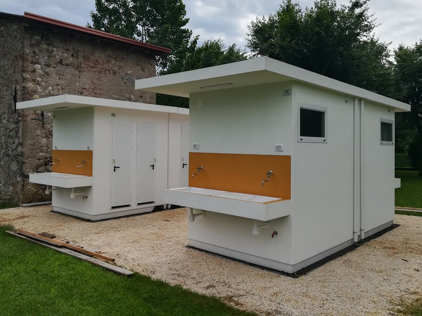 2 functions reinforced concrete Prefabricated toilet C-06(01)   Prefabricated toilet by Emmecinque Monoblocchi