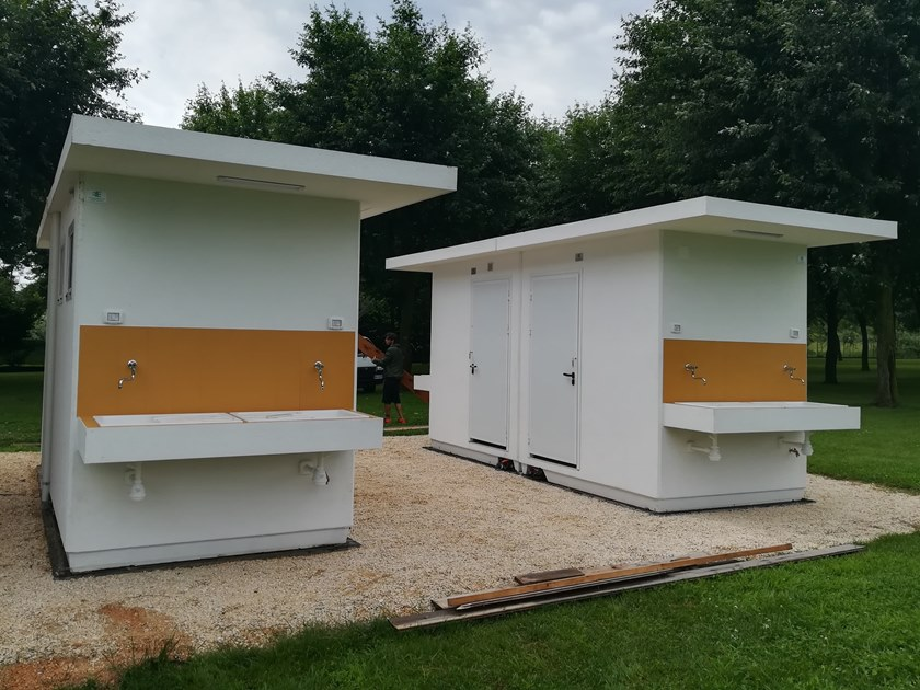 3 functions reinforced concrete Prefabricated toilet C-06(04) | Prefabricated toilet by Emmecinque Monoblocchi