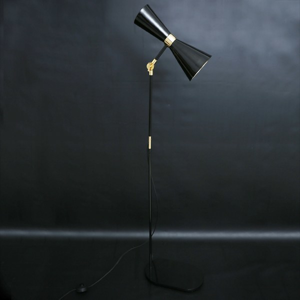 Cairo floor lamp by mullan lighting