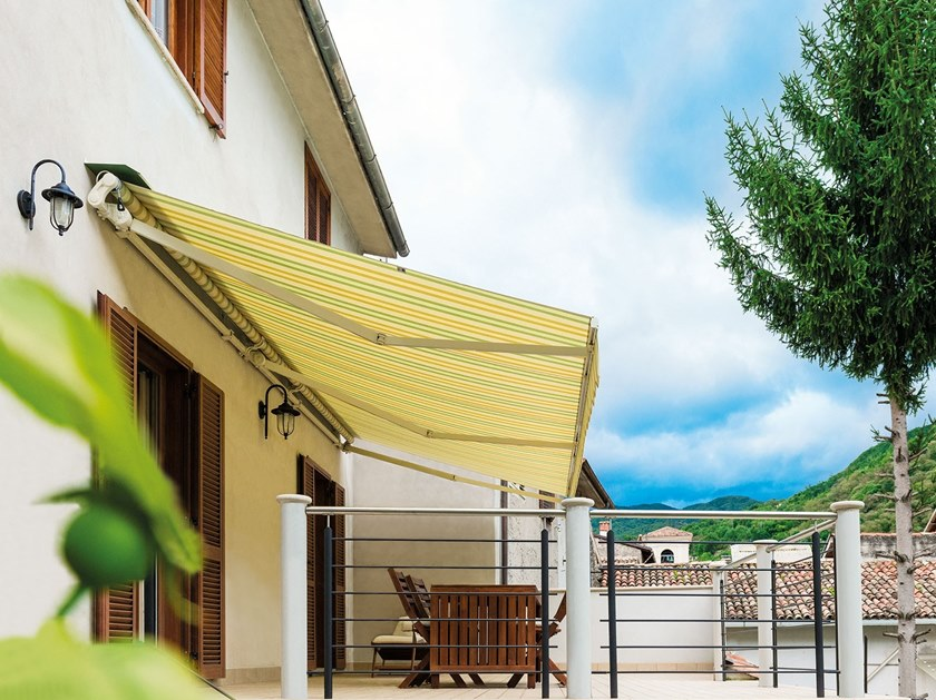 Retractable awning without headbox CALIFORNIA NEW by Frigerio Living