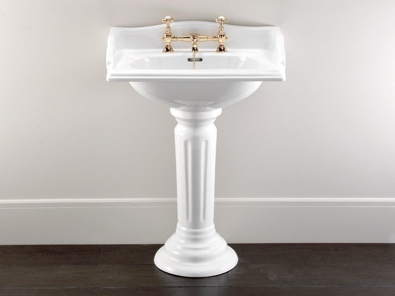 Lavabo rectangulaire en porcelaine sur pied CAMBRIDGE | Lavabo sur pied by Devon&Devon