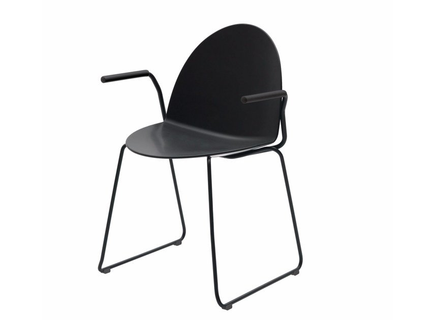 Sled base polypropylene chair with armrests CAMEL | Sled base chair by Segis