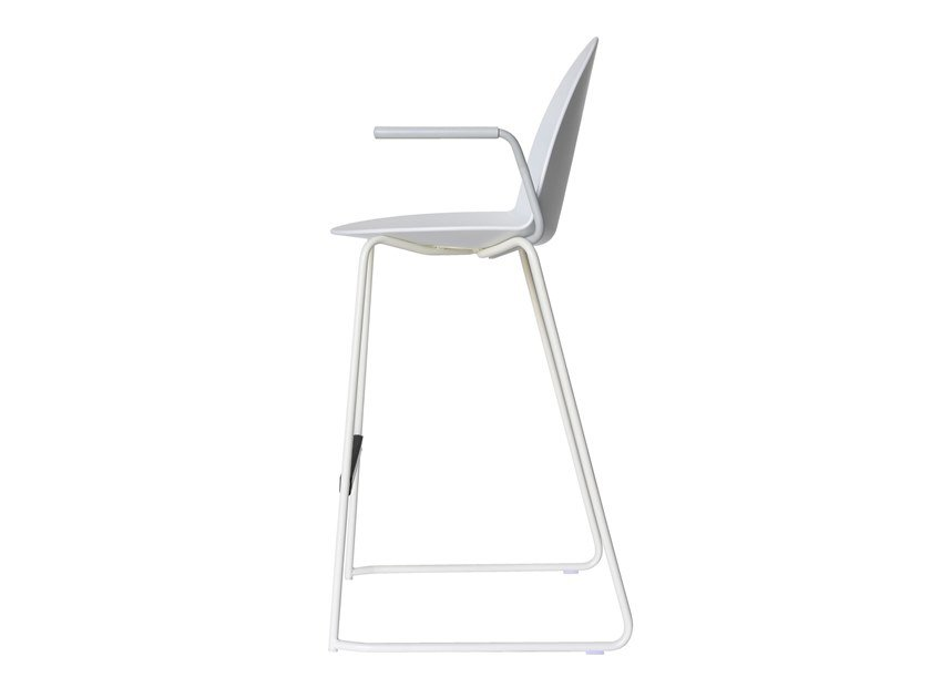 High sled base stool with back CAMEL | Stool with armrests by Segis