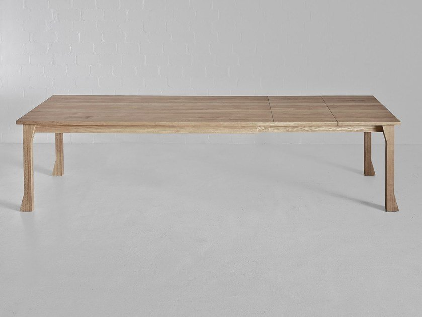 Extending rectangular solid wood table CAMPANA by Vitamin Design