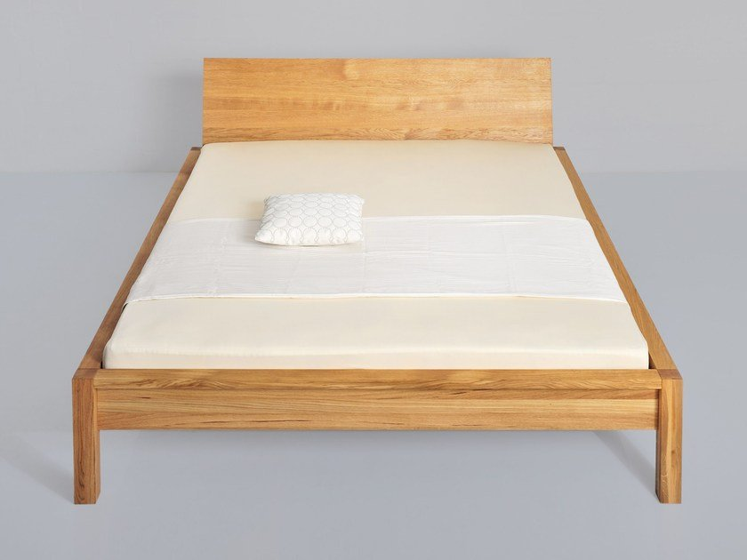 Solid wood double bed CARA by Vitamin Design