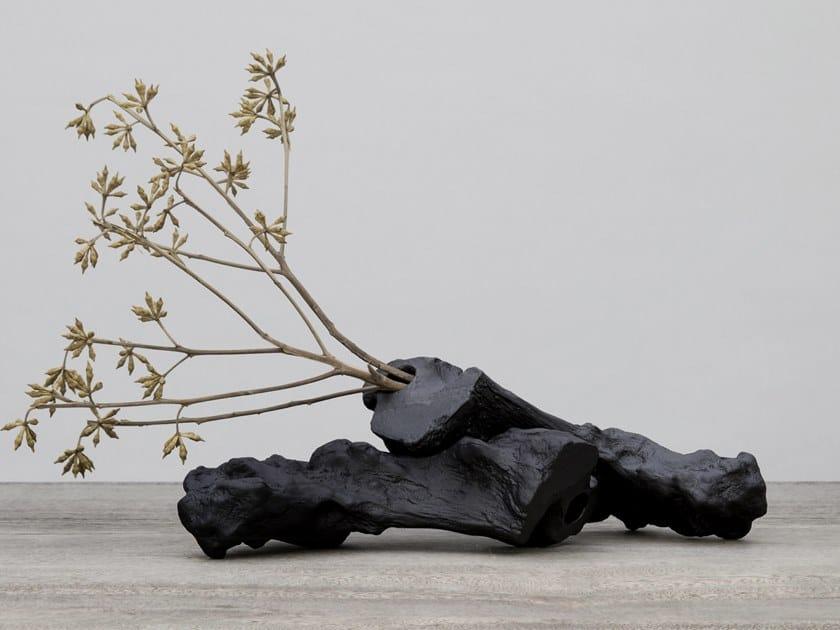 Vaso in porcellana CARBONO | Vaso by Konsepta