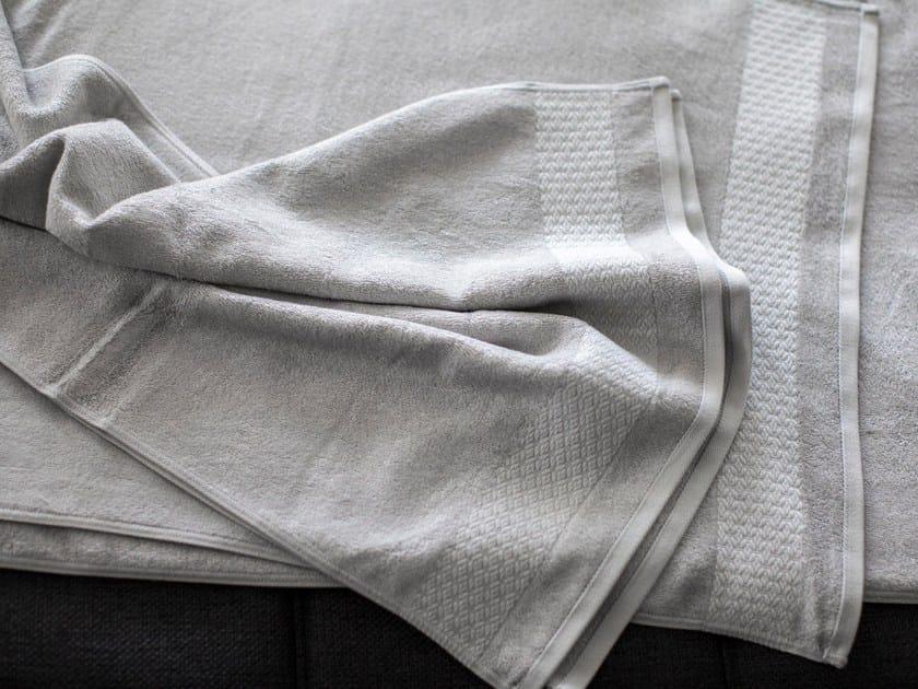 Cotton bath Towel CARESSE | Bath Towel by Cinier
