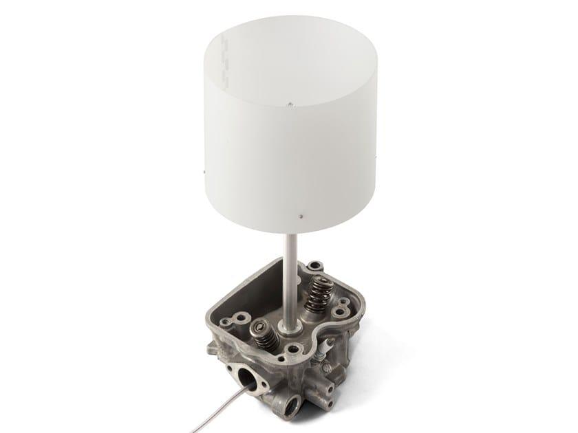 Lampada da tavolo in alluminio anodizzato CARLO by Studio ENtwentythree