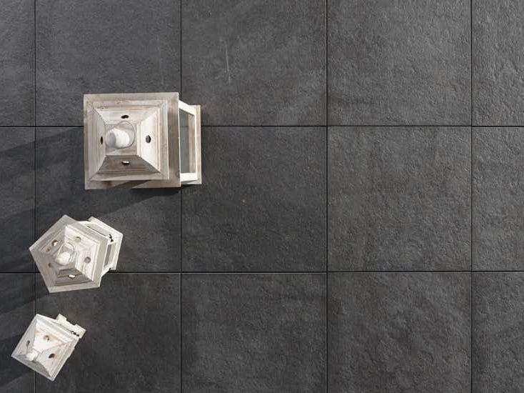 Pavimento per esterni effetto pietra CASTELLO ANTRAZYT by GRANULATI ZANDOBBIO
