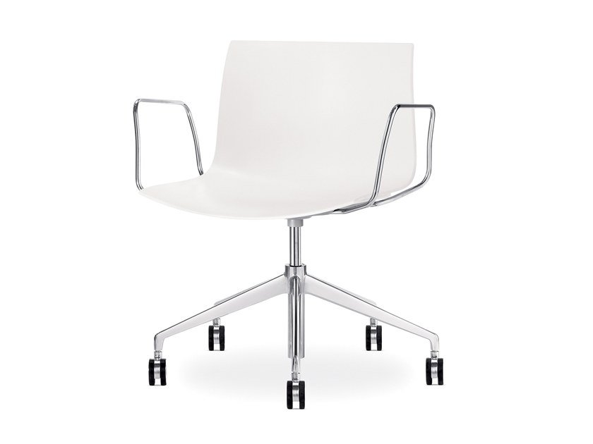 Swivel chair with 5-spoke base with armrests CATIFA 53 | Chair with armrests by arper