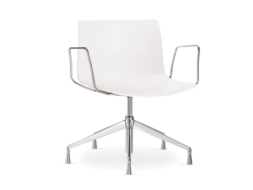 Chair with 5-spoke base with armrests CATIFA 53 | Chair with armrests by arper