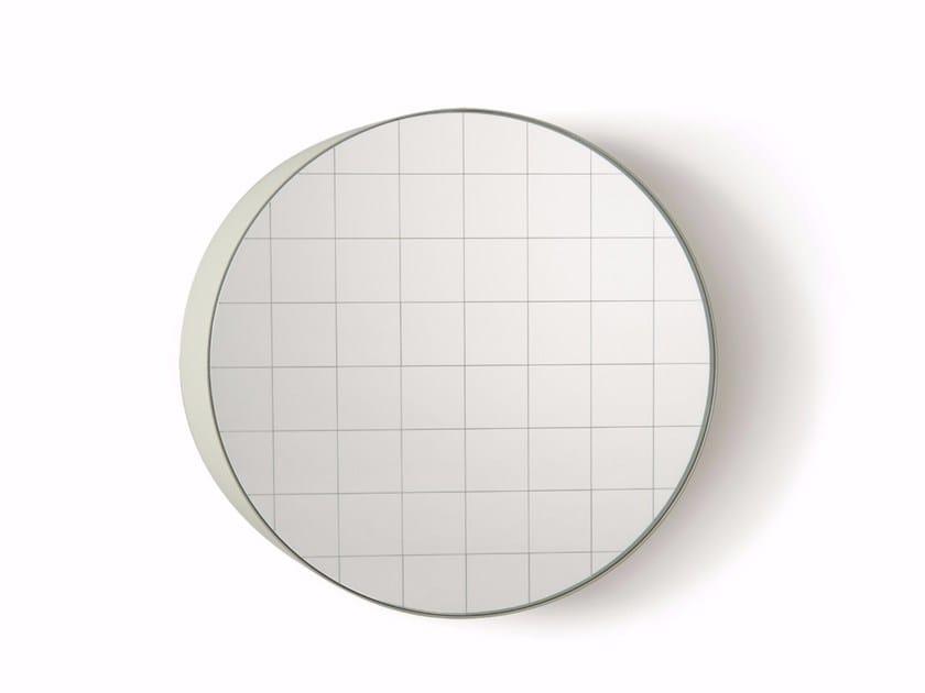 Round wall-mounted mirror CENTIMETRI | Wall-mounted mirror by Atipico