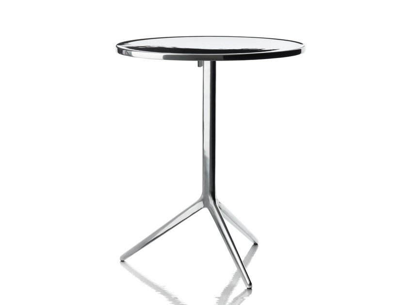 Folding round table CENTRAL by Magis