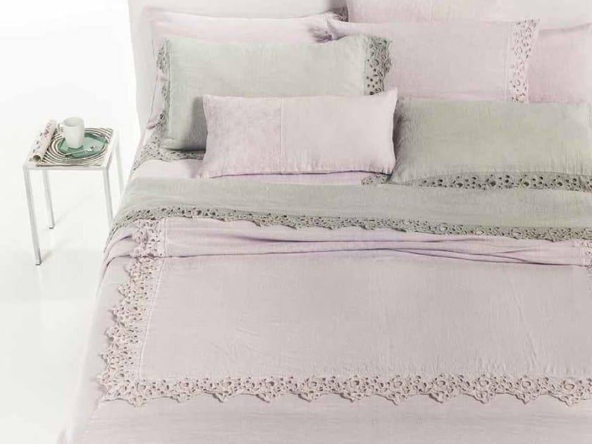 Embroidered linen bedding set CERCHI   Bedding set by LA FABBRICA DEL LINO