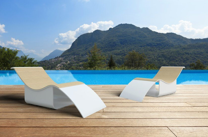 Chaise longue in Solid Surface GODIVA ALTA by Zuri Design