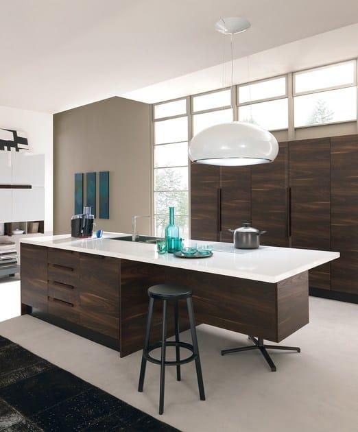 CHANTAL   Kitchen with island By Febal Casa design Alfredo Zengiaro