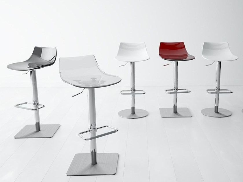 Height-adjustable stool CHEF | Stool by CANCIO