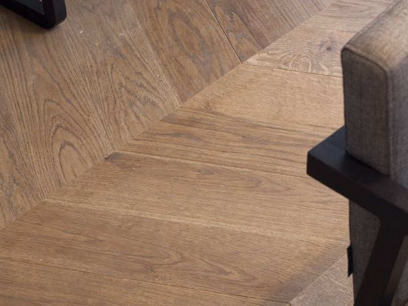 Wooden flooring CHEVRON by L'antic Colonial