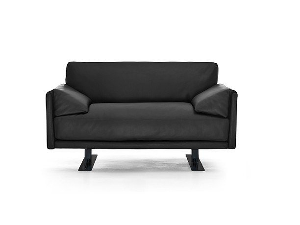 Armchair with armrests CHICAGO | Armchair by Busnelli