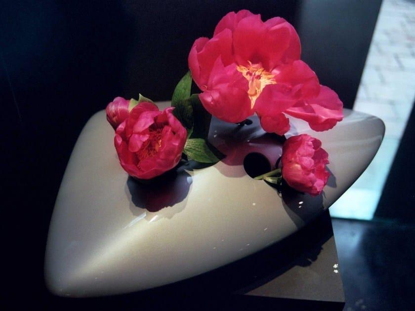 Glass-fibre vase CIOTOLI by CEDRIMARTINI