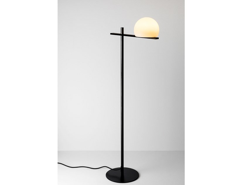 LED floor lamp CIRC | Floor lamp by Estiluz