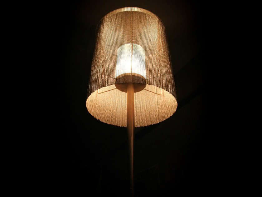 Table lamp CIRCULAR CROPPED | Table lamp by Willowlamp