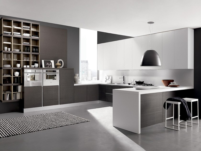 Fitted kitchen with peninsula CITY | Contemporary style kitchen by Febal Casa