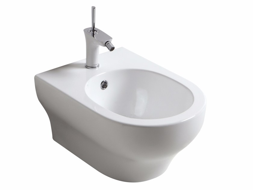 Wall-hung bidet CLEAR | Wall-hung bidet by Olympia Ceramica