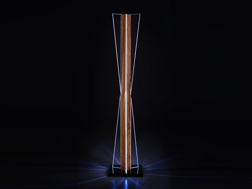 Lampada da terra a LED in legno e vetro CLESSIDRA | Lampada da terra by Disegnopiù