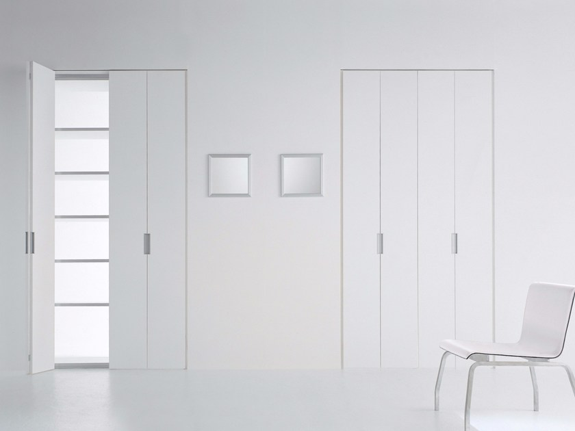 Folding lacquered door CLICK by RES