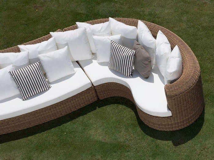 Curved garden sofa CLOE | Curved garden sofa by Braid