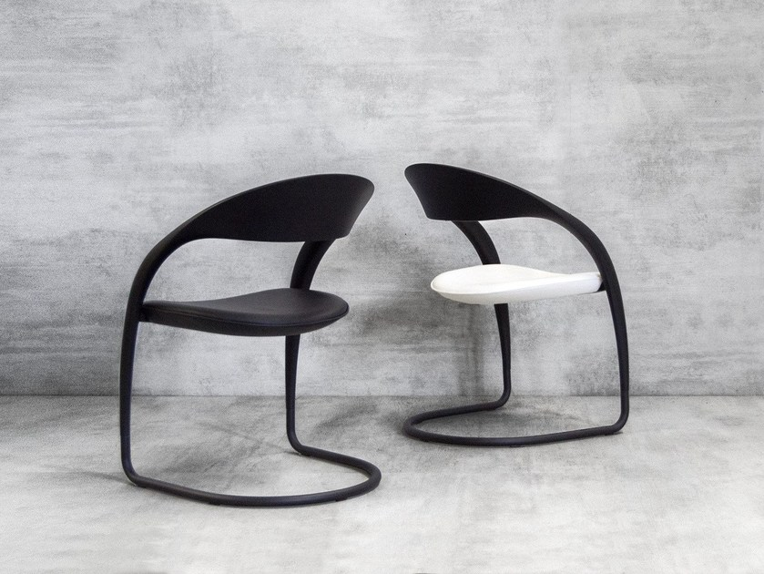 Cantilever chair CLOU by Tonon