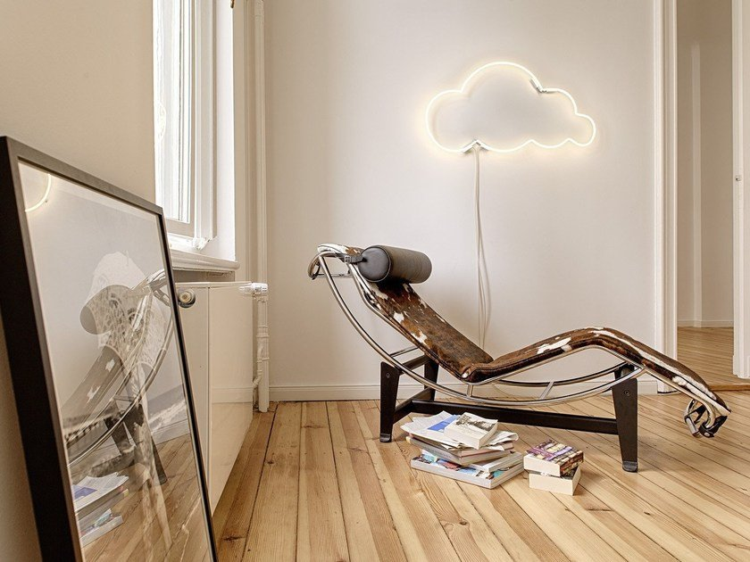 Wall-mounted neon light installation CLOUD 9 by sygns