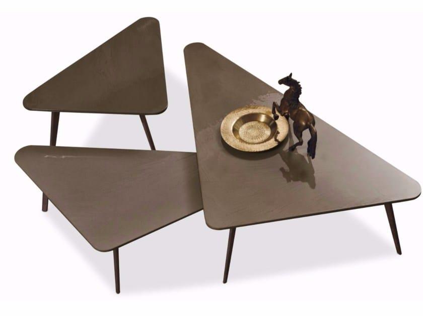 Triangular coffee table CLOVER by ALIVAR