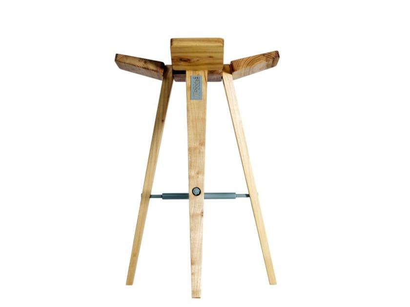Sgabello alto da bar in legno CLOVER | Sgabello alto by HOOKL und STOOL