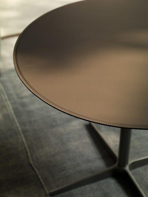 CLUB | Tavolino in cuoio