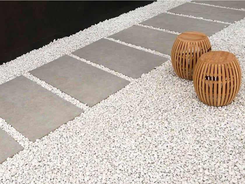 Pavimento per esterni in gres porcellanato effetto pietra cm