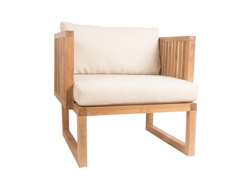 Garden teak easy chair with armrests CODE | Easy chair by Il Giardino di Legno