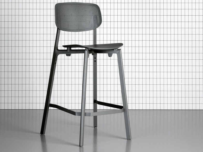 High stool with back COLANDER | Stool by Kristalia
