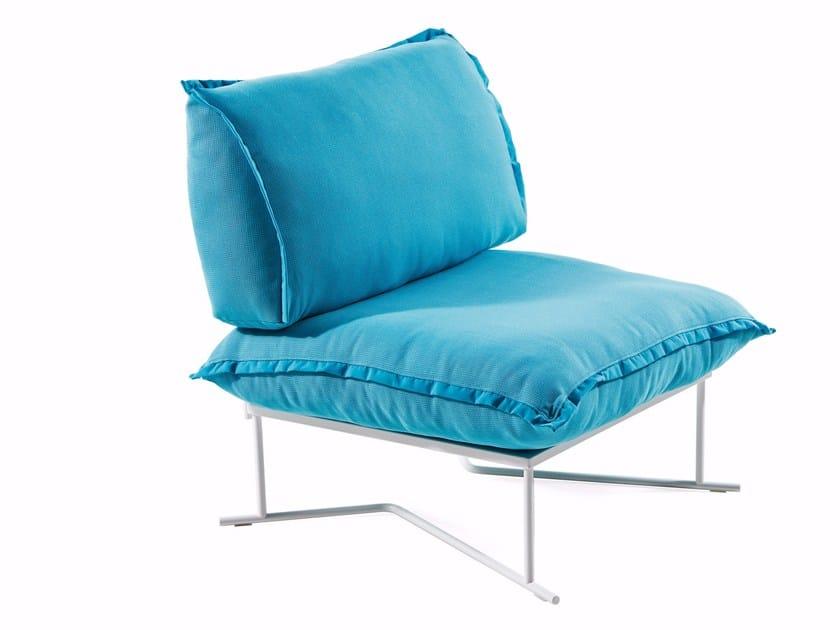 Upholstered fabric armchair COLORADO | Armchair by Varaschin