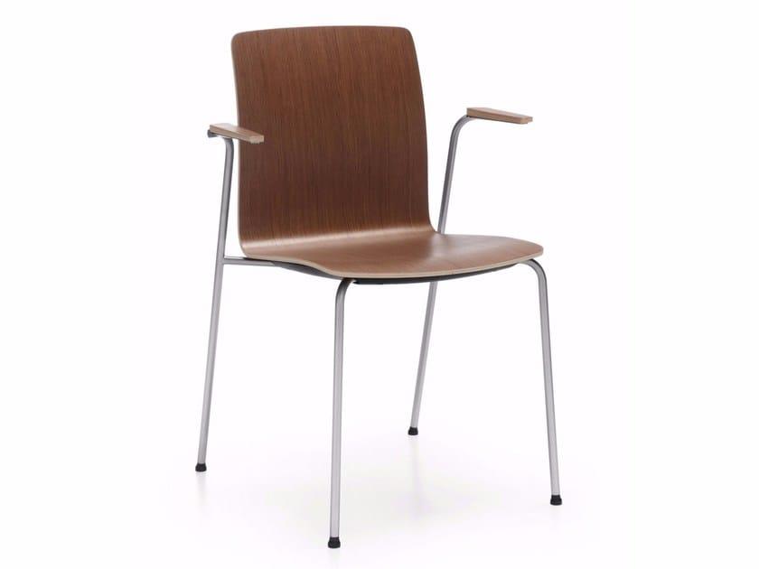 Cadeira encaixa de madeira compensada com braços COM K12H by profim
