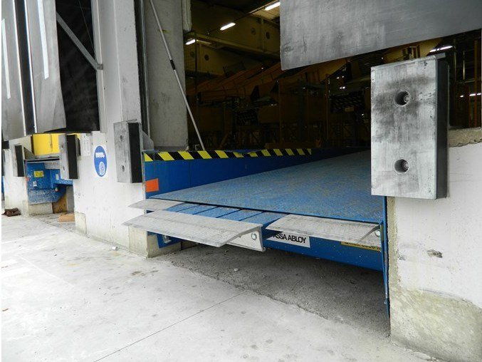 Loading ramp COMBIDOCK by ASSA ABLOY