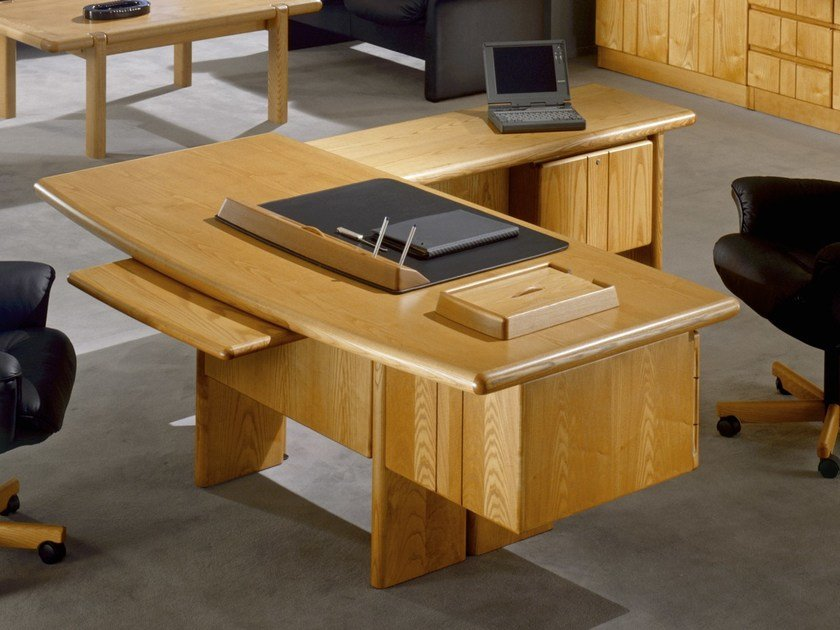L-shaped wooden executive desk COMMODORE | L-shaped office desk by Dyrlund