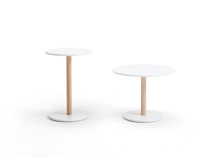 Contemporary style lacquered round wood-product side table COMMOM | Coffee table by Viccarbe