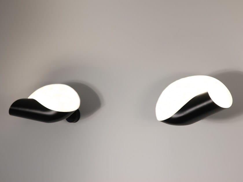 Applique a luce diretta e indiretta in metallo CONCHE by Serge Mouille