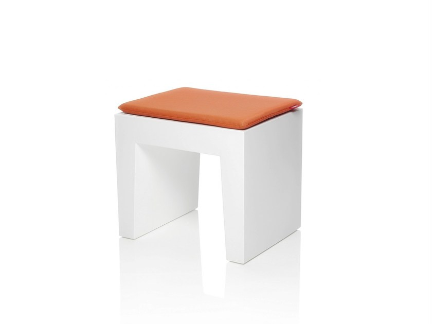Sgabello imbottito in polietilene concrete seat sgabello imbottito