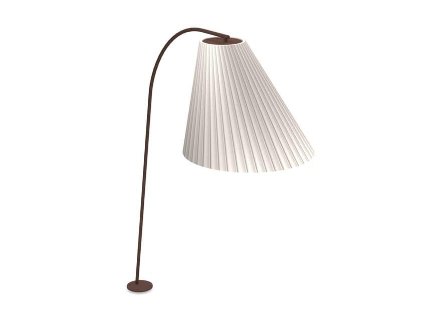 Lampada ad arco per esterno in acciaio CONE   Lampada ad arco per esterno by emu