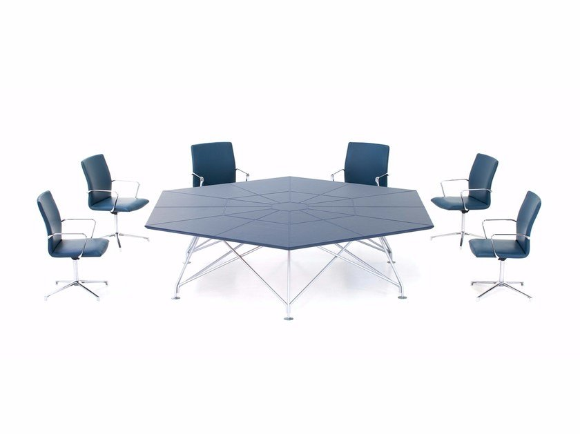 Tanned leather meeting table CONSILIUM | Meeting table by Polflex